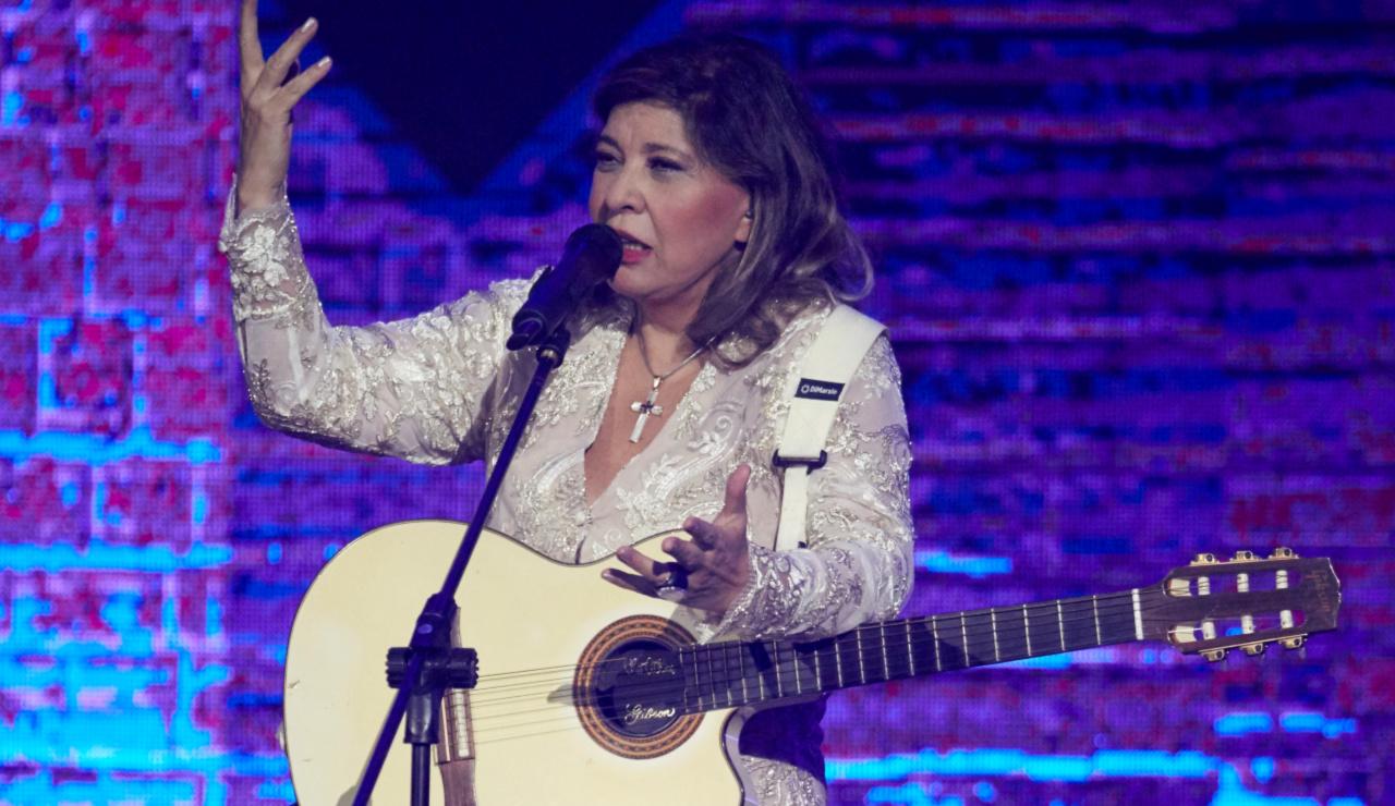 Roberta Miranda apresenta show inédito em São Paulo