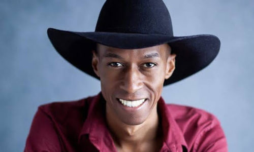 """Villa Country apresenta """"Live Arraiá do Cowboy"""" sob comando de Everton Neguinho"""