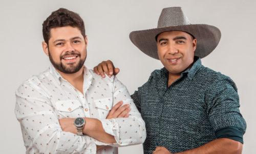 """Bruno & Lucas confirmam blitz nacional de """"Beija ou Passa"""" nas rádios de todo o país"""